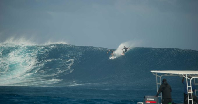 Keahi De Aboitiz drops Ben Wilson in for a ride.
